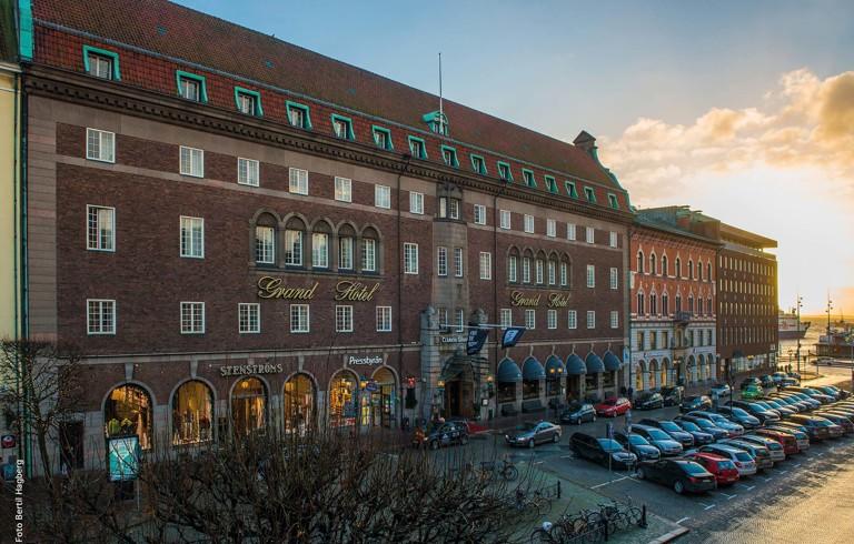 Clarion Grand HotelPå femte våningen i detta anrika hotellet från 1920-talet ska spöket av en älskarinna skrämma gästerna.